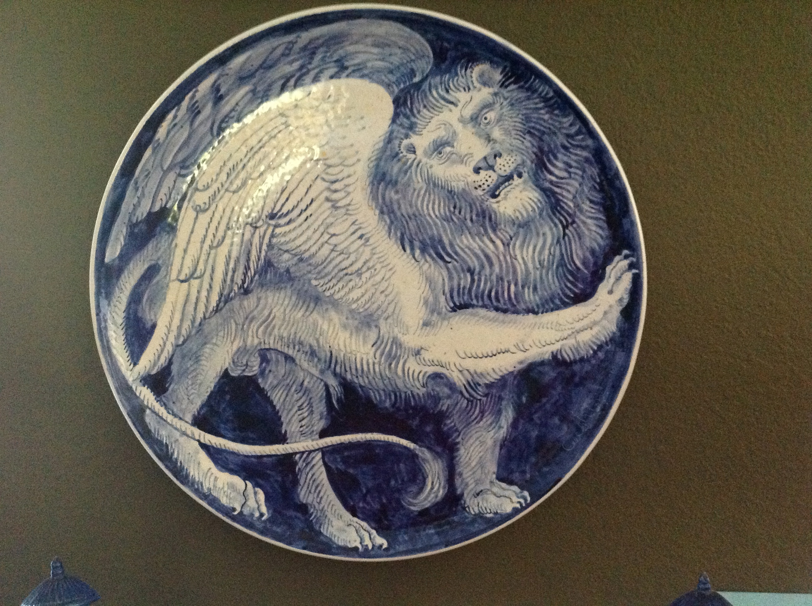 Winged Lion by Carlo Marchiori, maiolica, 19 inches diameter (Photo P. F. Sommerfeldt 2012)