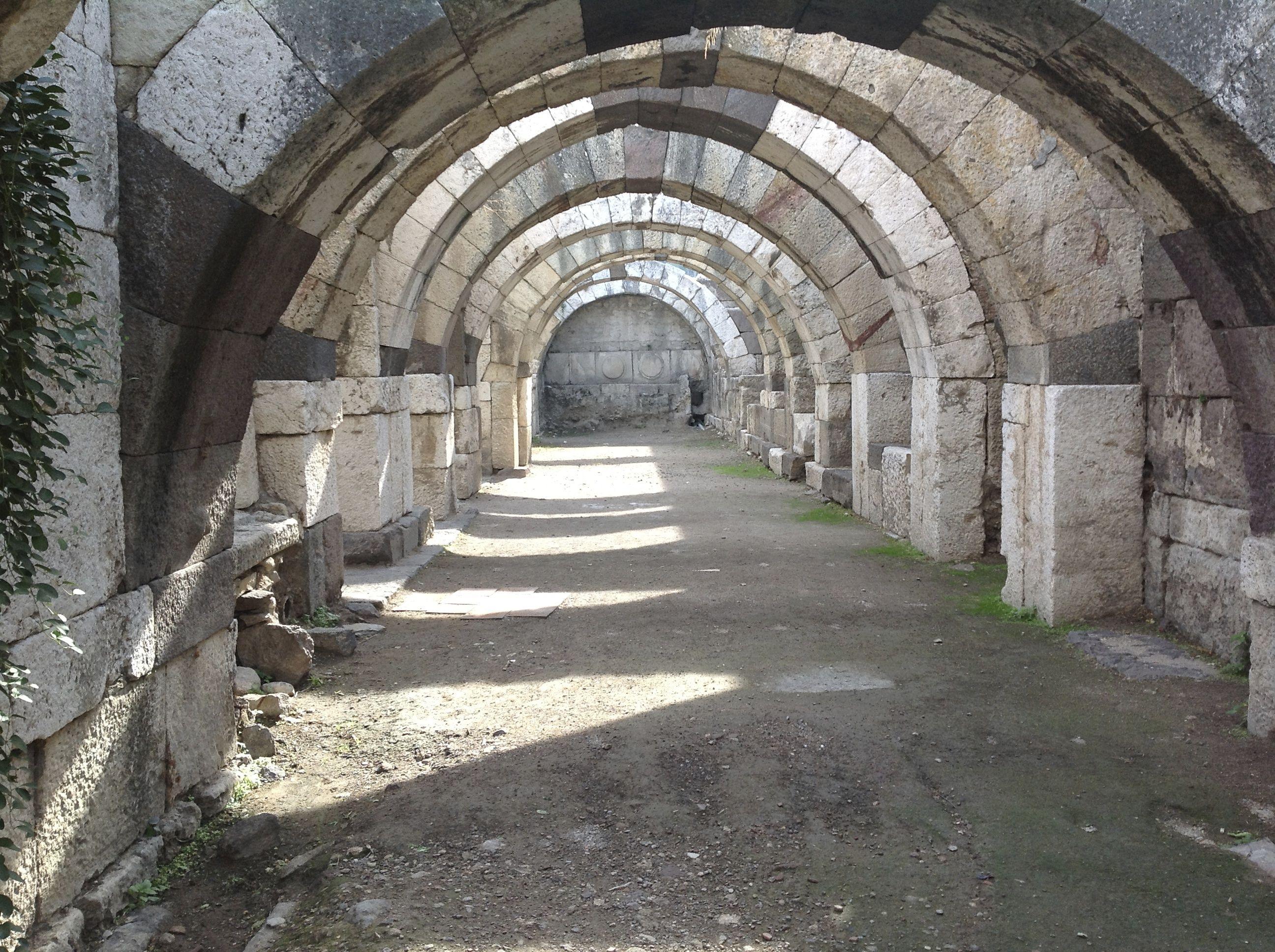 Cryptoporticus at Izmir (ancient Smyrna acropolis) (Photo P. Hunt 2012)