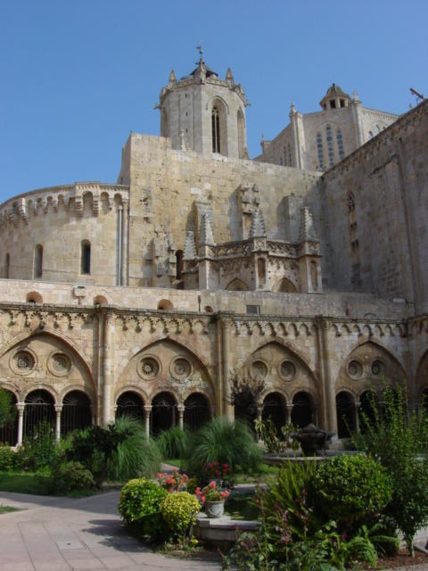 Tarragona Cathedral and cloister gardens (Photo courtesy of Phil Roberts, University of Wyoming)