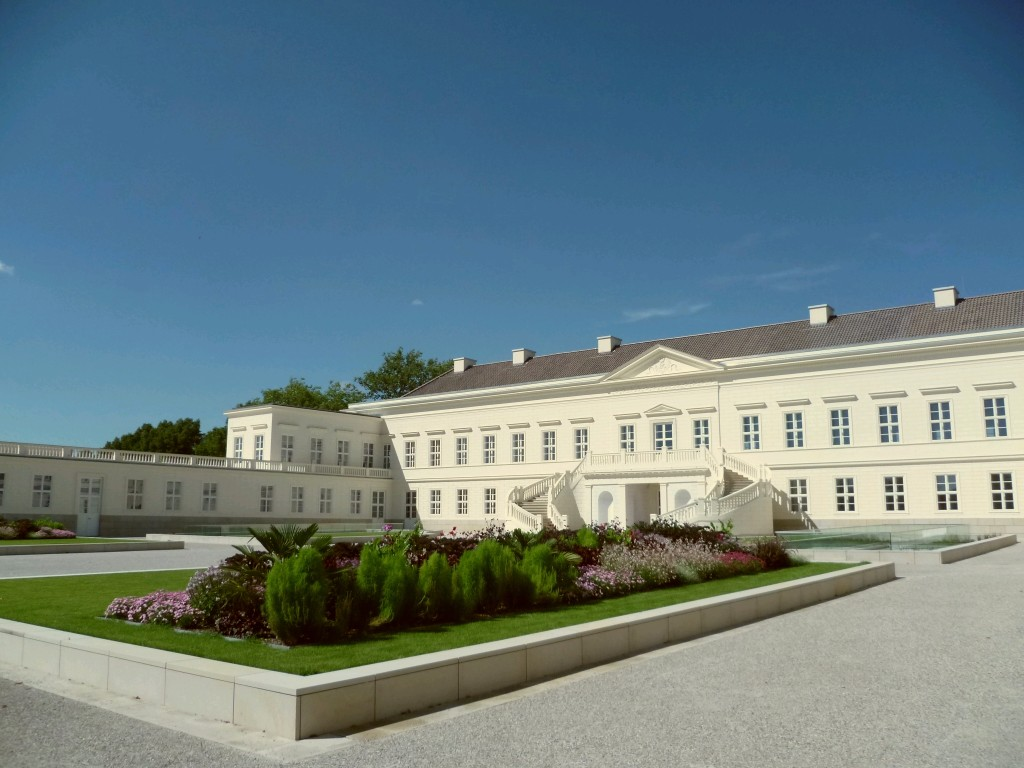 Fig. 1 Hanover, Schloss Herrenhausen, c.1640-1943, rebuilt 2013 in its classicistic appearance conducted by Georg Ludwig Friedrich Laves in 1818.
