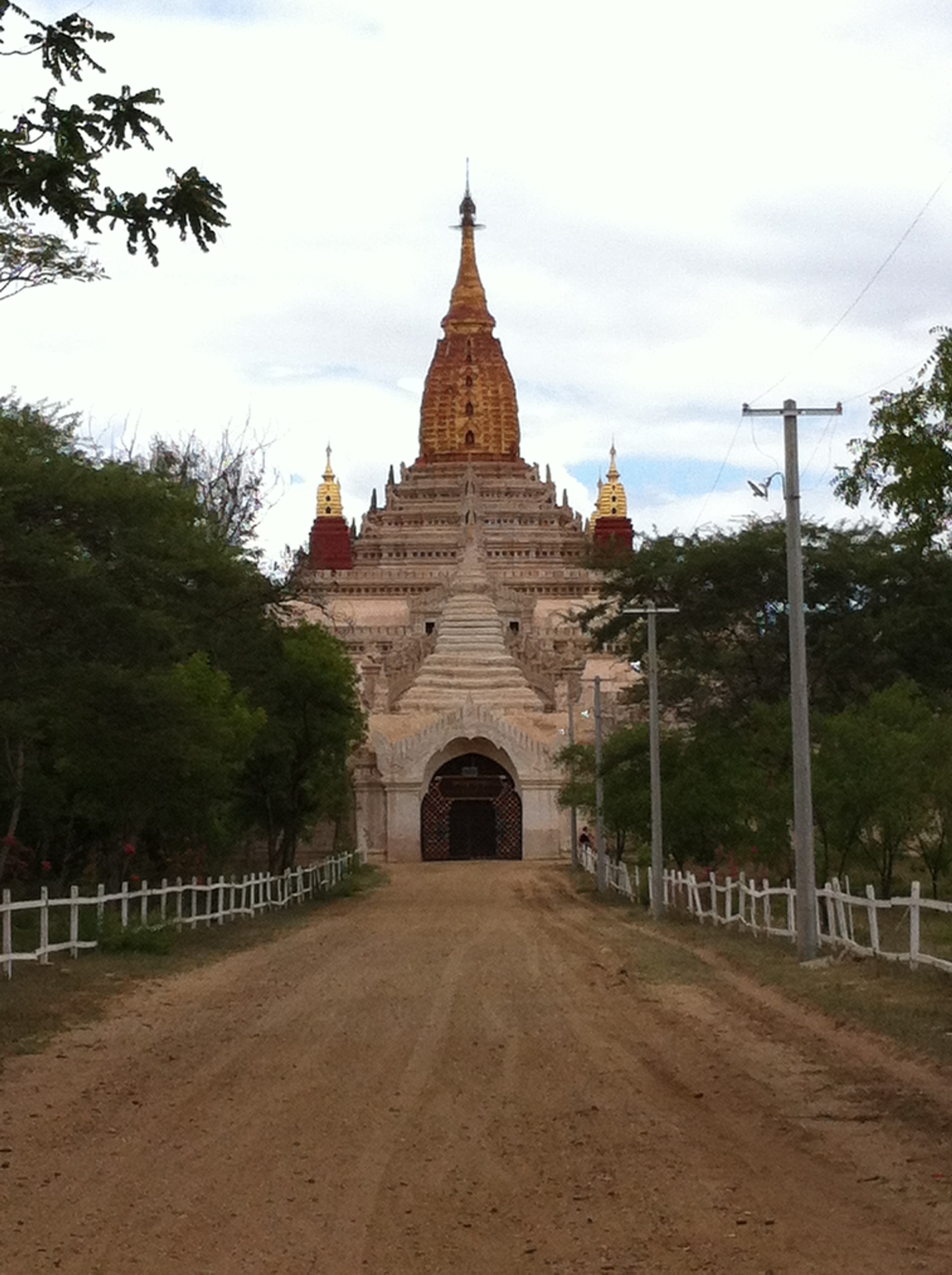 Western entrance to Ananda Temple (Photo Catherine Clover 2014)